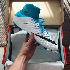 New Nike Hypervenom 3 Nike Soccer Shoes, Soccer Gear, Soccer Boots, Soccer Equipment, Cool Football Boots, Football Shoes, Football Cleats, Nike Boots, Soccer Girl Problems