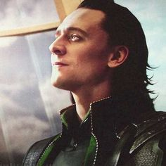 I think it's safe to say I'm OBSESSED with Tom Hiddleston as Loki.
