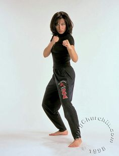 Share, rate and discuss pictures of Shannon Lee's feet on wikiFeet - the most comprehensive celebrity feet database to ever have existed. Bruce Lee Martial Arts, Martial Arts Women, Brandon Lee, Bruce Lee Family, Kung Fu Movies, Female Martial Artists, Martial Arts Techniques, Karate Girl, Beautiful Athletes