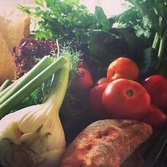 Le marché du #dimanche une tradition française que l'on apprécie particulièrement chez @polamax :) #gastronomie #food #soupe #maïté #mangerbouger http://ift.tt/1LDgA1h