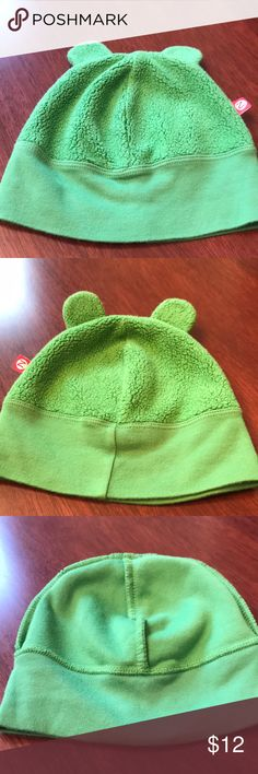 Zutano fleece beanie EUC size 6-12 months Zutano fleece beanie EUC size 6-12 months in green. Super cute on & unisex! The markings on the tag are where a name was redacted. Barely used. Zutano Accessories Hats