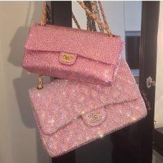 Burberry Handbags, Chanel Handbags, Purses And Handbags, Pink Handbags, Handbags Online, Luxury Purses, Luxury Bags, Fashion Bags, Fashion Accessories