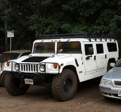 Nice Hummer!! #protecautocare #engineflush #hummer #h1 #white #tinted #roofrack #classic #suv #carrepair #nofilter #followus