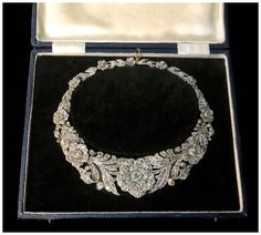Jewelry An utterly incredible antique diamond flower necklace! Spotted at Spicer Warin. - Have you seen enough antique jewelry? I hope not.because I've got more Miami antique show favorites here for you and they're spectacular! High Jewelry, I Love Jewelry, Jewelry Sets, Jewelry Design, Jewellery Sale, Jewelry Rings, Aquamarine Jewelry, Gemstone Jewelry, Diamond Jewelry