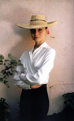 Audrey Hepburn during the production of 'The Unforgiven'.  Photo by Inge Morath  Durango, Mexico 1959