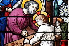 Hoy celebramos a ... San José, esposo de María Hombre justo escogido por Dios para ser el esposo de María y hacer las veces de padre de Jesús en la tierra