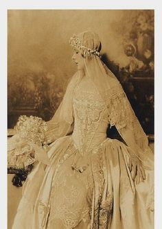 Beautiful Antique Bride Photo In celebration of my son's wedding yesterday which turned out beautifully, I am sharing some vintage and ant...