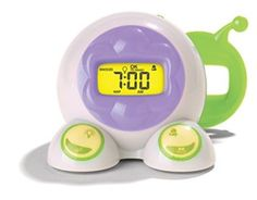 This bedside alarm clock features fun animations that give it personality! The convenient nap timer and dual night light that glows green to tell children