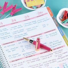 o Daily Planner é cheio de cores, estampas e surpresas. Emoção que página digital alguma é capaz de proporcionar. Compre online - www.paperview.com.br • Receba em casa #meudailyplanner #planner2016 #dailyplanner #loveplanner #organização #feitoamao #trend