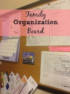 I'm happy to announce that I collaborated with Lindsay from Lindsay Gill (formerlyWedding Rings To Teething Rings)this week to bring you a quick read on how to create a family organization board. I hope you like it!