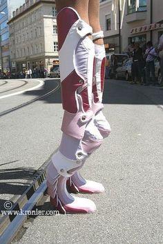 extremshoes Extreme heels made for Anquelique de Munich Creative Shoes, Unique Shoes, Moda Fashion, Fashion Shoes, Fashion Outfits, Funny Shoes, Weird Shoes, Heeled Boots, Shoe Boots
