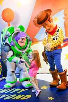 Katie Evans Photography: 7 Tips to take better Disney Character pictures