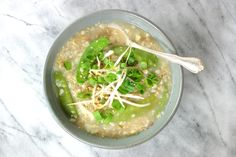 Jook with Bean Sprouts and Vegetables Bean Sprouts, Other Recipes, Soups And Stews, Guacamole, Om, Beans, Asian, Chicken, Vegetables