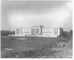1932. Nelson Art Gallery. Under construction.