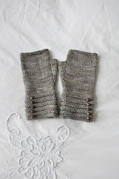 welted fingerless mitts.