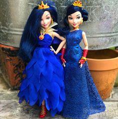 Coronation x Cotillion #disney #descendants #descendants2 #descendants3 #d3deets #evie #coronation #cotillion @disneydescendants… Disney Descendants Dolls, Disney Descendants 3, Disney Dolls, Cute Sweatshirts For Girls, Cotillion Dresses, Best Kids Watches, Disney Theory, Pocket Princesses, Barbie Fashionista Dolls