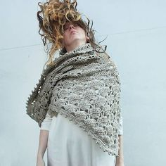 diEnes / pléd. handmade crochet shawl. lace and picots.