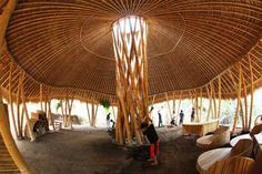 In Bali, the Green School, constructed entirely of bamboo, has been making waves both for its construction and for its curriculum. Building A Trellis, Bamboo Building, Natural Building, Green Building, Bamboo Bamboo, Bamboo Roof, Bamboo House, Bamboo Garden, Bamboo Ideas
