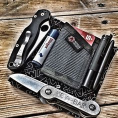 @tilsahm has almost all the edc bases covered with this one Who else edc's chapstick? I need some manly chapstick in my life! haha #edc #pocketdump #everydaycarry #keybar #recycledfirefighter