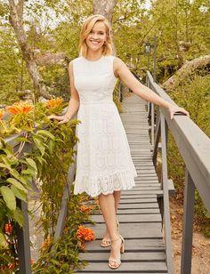 White Eyelet Dress, White Dress Summer, White Spring Dresses, Feminine Dress, Classy Dress, Women's Feminine Style, Pretty Outfits, Pretty Dresses, Beautiful Summer Dresses
