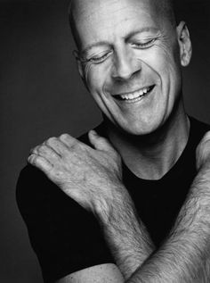 A very huggable Bruce Willis