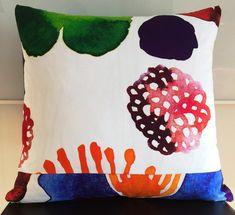 "18""x18"" Marimekko Pillow Cover. Handmade. Pattern:Double-sidedJuhannustaika by Aino-Maija Metsola. by PantsandPillows"