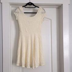 Maitai cream flower crocheted dress. Maitai cream flower crocheted dress. Stretchy material. Maitai Dresses Mini