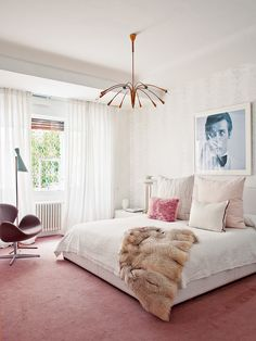 All about bedroom, Bedroom Decorating Ideas For A Single Woman: feminine bedroom ideas Medium.feminine decorating ideas feminine bedroom decorating ideas with home priority beautiful feminine bedroom design… Modern Bedroom, Bedroom Inspirations, Home Bedroom, Minimalist Bedroom, Bedroom Design, Bedroom Carpet, Bedroom Decor, Feminine Bedroom, Mid Century Modern Bedroom