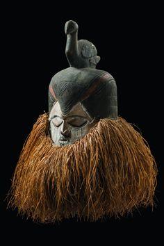 Collectd by Karl Jansen, St. Jansen worked as a missionary for the Steyler mission. African Masks, African Art, Supernatural Beings, Masks Art, Art Auction, Tribal Art, Headgear, Statue, Portrait