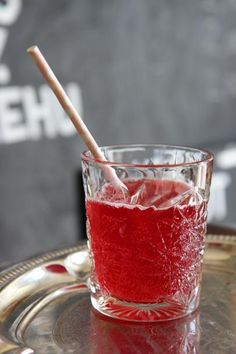 Vadelmasima Finland Desert Recipes, Punch Bowls, Lemonade, Drinking, Recipies, Deserts, Food And Drink, Baking, Eat