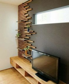 Nice idea for an accent wall. Would be pretty in a bedroom