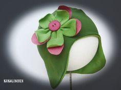 *Mütze mit Blüte* von Kukolinchen auf DaWanda.com