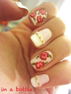 Flowers and pearl nails