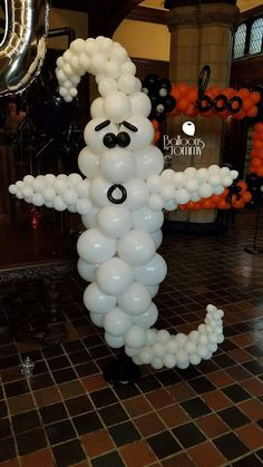 Balloons by Tommy in Chicago, super spooky fun!