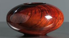 African sumac bowl (2014). The Moulthrops are a three-generation dynasty of artisans who use the woods of the southeastern US as their raw materials (Photo: Bentley Gallery, Phoenix/Moulthrop Studios) Financial Times, Raw Materials, Wood Turning, Art Forms, Phoenix, Home Furniture, Woods, Studios, Artisan