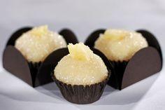 Branco com doce de abacaxi My Recipes, Sweet Recipes, Snack Recipes, Favorite Recipes, I Chef, Macaron, Savoury Dishes, Creative Food, Fun Desserts