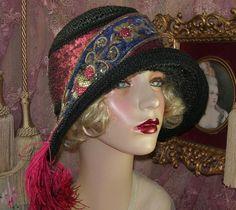 1920S VINTAGE STYLE BLACK SPARKLE BEADED APPLIQUE FEATHER CLOCHE FLAPPER HAT