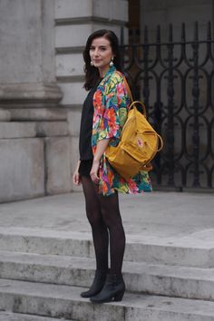 Sían O'Carroll reckons 9 Crow Street is the best spot in town for vintage duds and accessories. Dublin Street Style, Ireland Fashion, Fall Winter, Autumn, Student Fashion, Dressed To Kill, New Shop, Crow, I Dress
