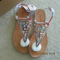 Zigi soho thong flatsandals. Size 7 Nwt. In perfect new condition. Studs are intact. Shoebox, Extra bids included.  True to size 7.  No trade. Zigi Soho Shoes