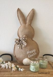 Paashaas van Jute (maat L) … - Ostern Bunny Crafts, Easter Crafts, Crafts To Sell, Diy And Crafts, Bunny Templates, Diy Fall Wreath, Easter Table Decorations, Burlap Crafts, Easter Party