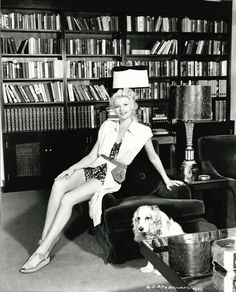 Rita Hayworth and her cocker spaniel, Pookles, 1948 Hollywood Stars, Classic Hollywood, Old Hollywood, Hollywood Glamour, Rita Hayworth, Top 10 Actors, Sainte Rita, Divas, Nostalgia
