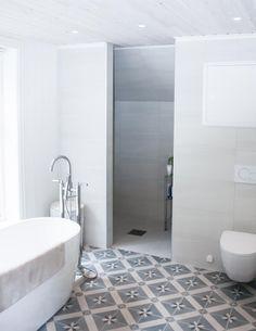 Lekkert bad i gammel hus | Nr14 Interiørhjelp