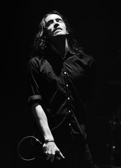 Brandon Boyd, Incubus I remember having such a crush on him 10 years ago.