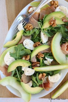 Salade met meloen, rauwe ham en mozzarella - Mind Your Feed - Salade Healthy, Can Chicken Recipes, Crockpot Recipes, Low Carb Brasil, Clean Eating, Superfood Salad, Healthy Recepies, Frozen Meals, No Cook Meals