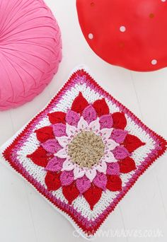 Crochet Crocodile Flower Cushion - pattern by Joyce Lewis, link in blog :))