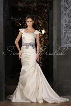 Muriel Gown- Simply Bridal
