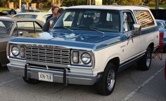 1972 Dodge Ramcharger 1978 dodge ramcharger  had this same color.