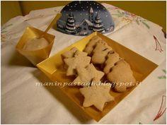 Biscottini natalizi con crema di castagne  http://maninpastaqb.blogspot.it/2012/12/biscottini-natalizi-con-crema-di.html