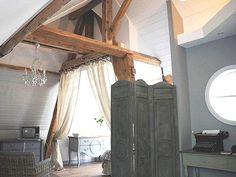 Une chambre rustique
