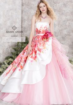 Hardy Amies London Pink Printed Wedding Dress / www. Elegant Dresses, Pretty Dresses, Pink Dresses, Printed Wedding Dress, Floral Wedding, Orange Wedding, Ball Dresses, Ball Gowns, Fantasy Dress